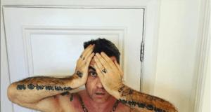 Robbie Williams (Quelle: @robbiewilliams/Facebook)