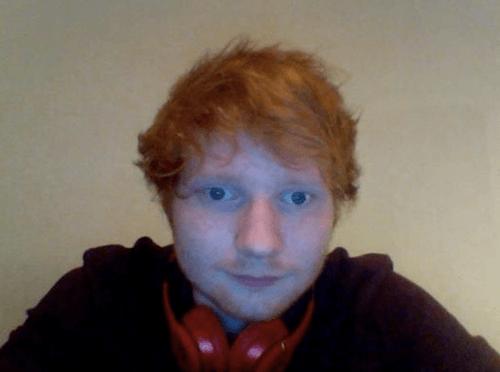 Ed Sheeran steckt in Schwierigkeiten (Quelle: @EdSheeranMusic/Facebook)