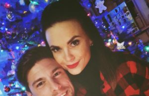 Pascal Kappés & Denise Temlitz an Weihnachten 2017 (Quelle: Facebook)