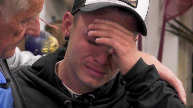 Henning Merten weint im